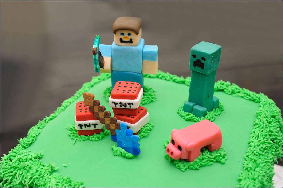 Minecraft Fondant Cake Tutorial