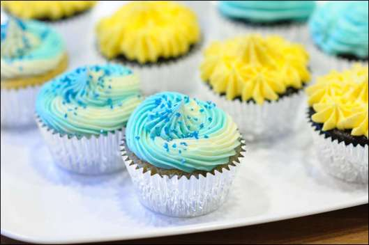 first-communion-cross-cupcakes-4