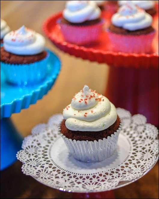 red-velvet-cupcakes-1