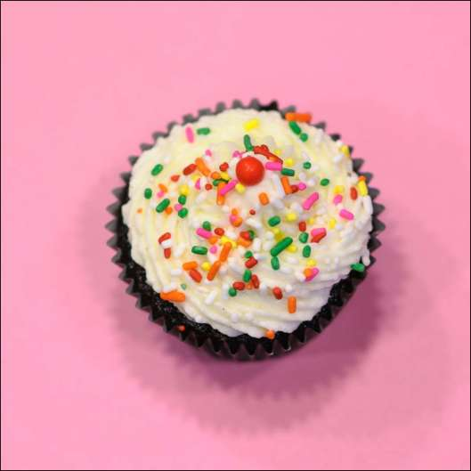 sprinkle-cupcakes-5