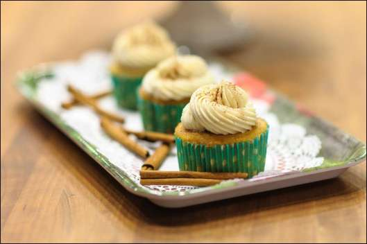 caramel-apple-pie-cupcakes-2