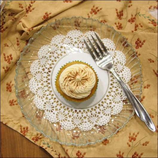 caramel-apple-pie-cupcakes-7