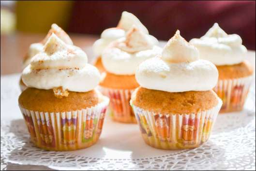 pumpkin-spice-latte-cupcakes-6