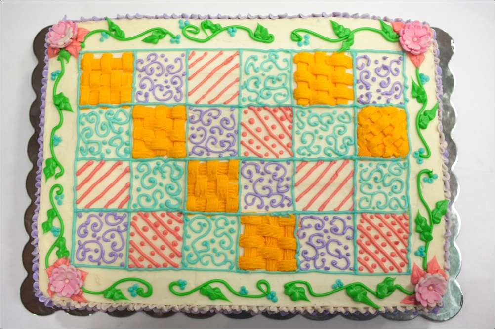 Quilting Cake Designs : Pin Quilt Guild Celebrates 30th Anniversary Longview News Journal Cake on Pinterest