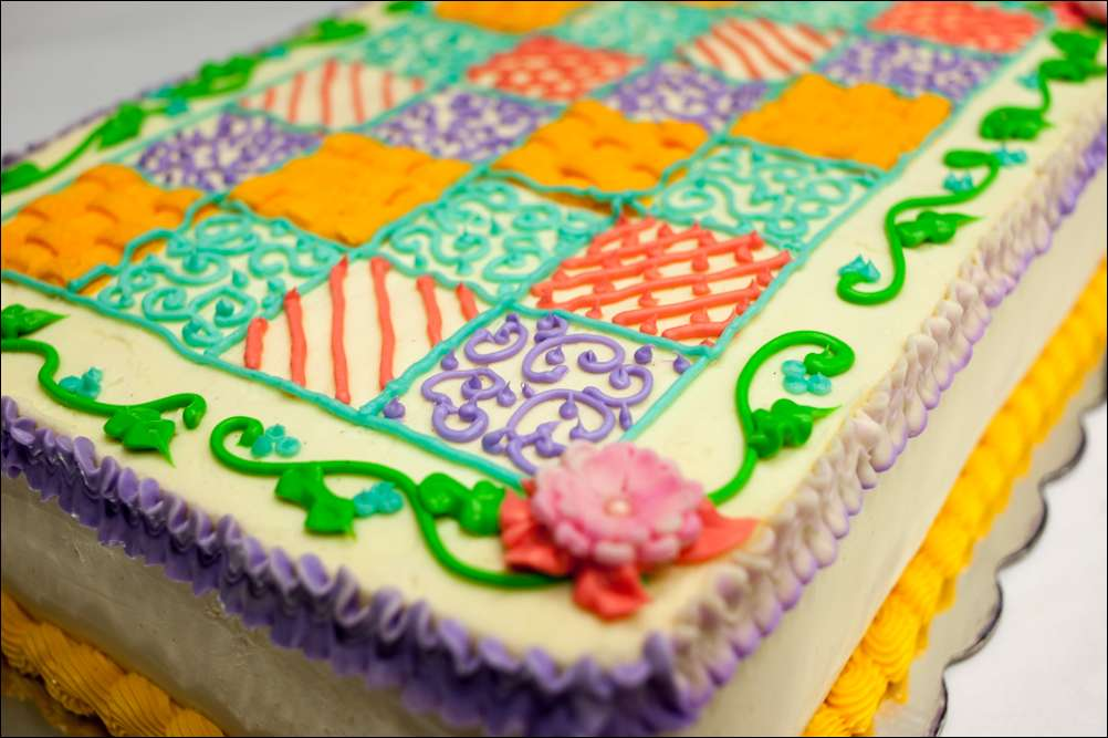 Cake Decorating Quilt Design : quilt-inspired cake Gray Barn Baking