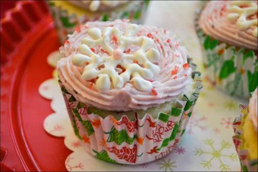 raspberries-cream-cupcake-6