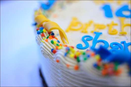 blue-yellow-birthday-cake-18