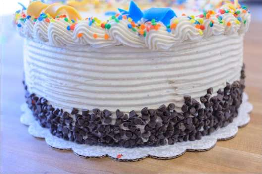 blue-yellow-birthday-cake-5