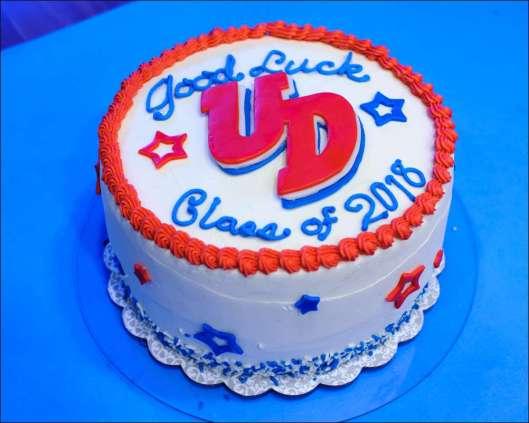 dayton-graduation-cake-3