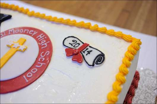 mooney-graduation-cake-3