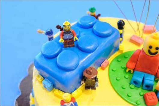 lego-birthday-cake-11