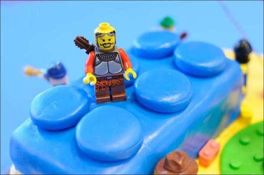 lego-birthday-cake-12