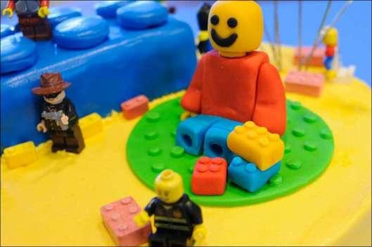 lego-birthday-cake-6