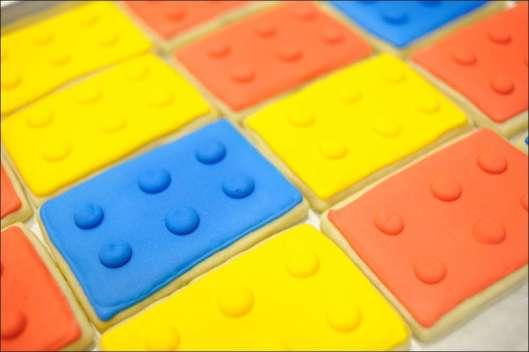 lego-cookies-30