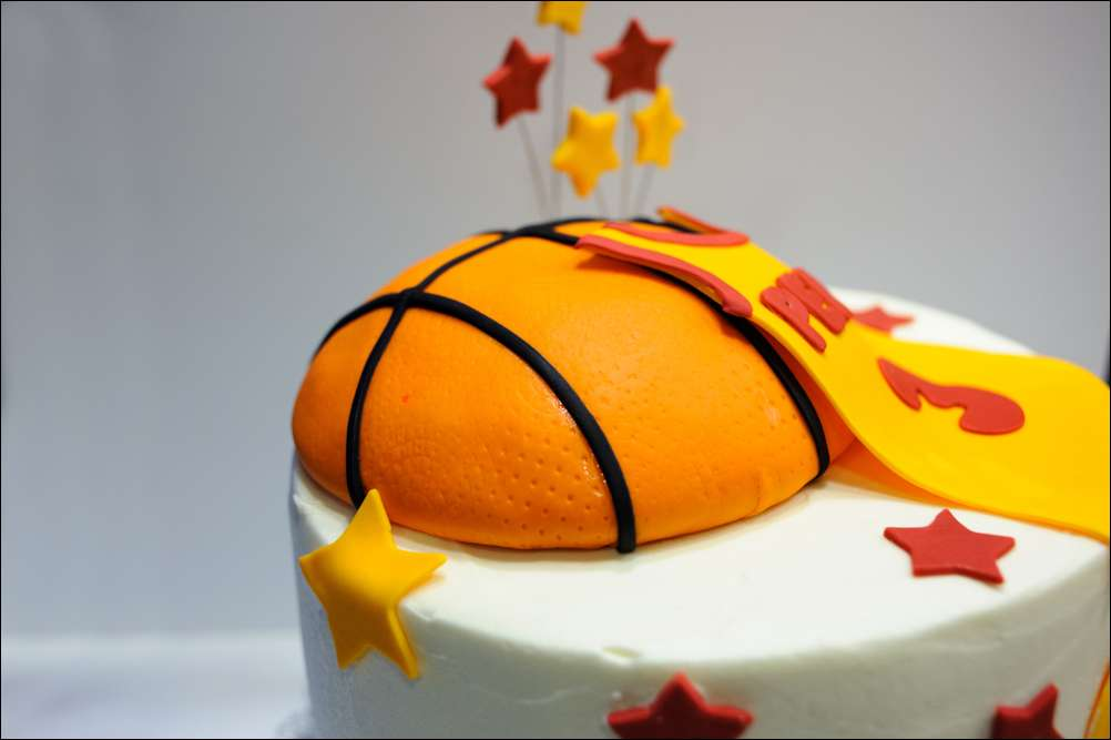 Astonishing Cavaliers Basketball Birthday Cake Gray Barn Baking Funny Birthday Cards Online Unhofree Goldxyz