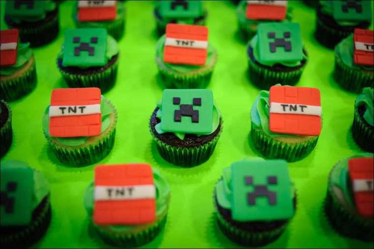 Minecraft Cupcakes 8 Gray Barn Baking