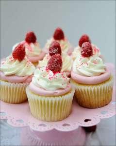 raspberry-cream-cupcakes-2