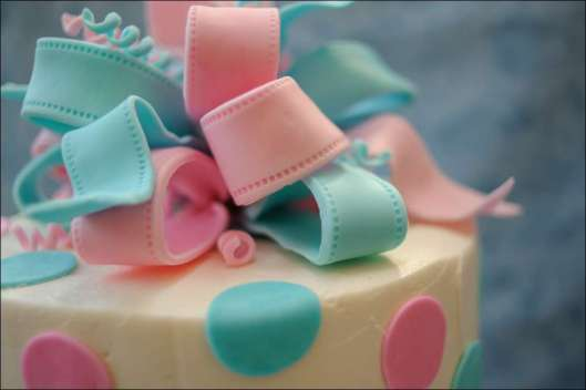 ribbon-gender-reveal-cake-8