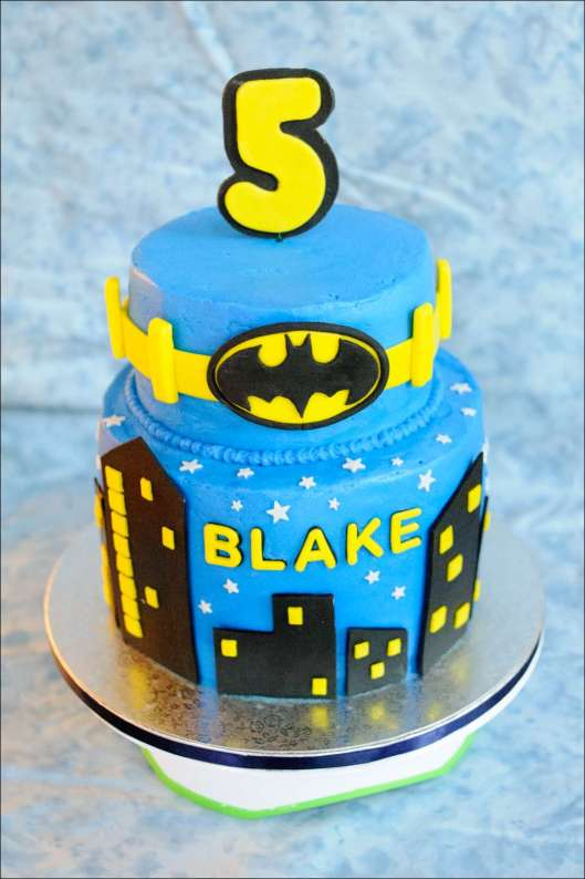 batman-multi-layer-cake-11