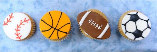 boys-sports-cupcakes-baby-reveal-21