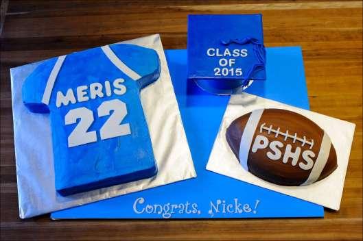 sports-football-graduation-cakes-2