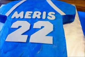 sports-football-graduation-cakes-5