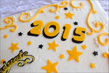 yellow-black-graduation-cake-2