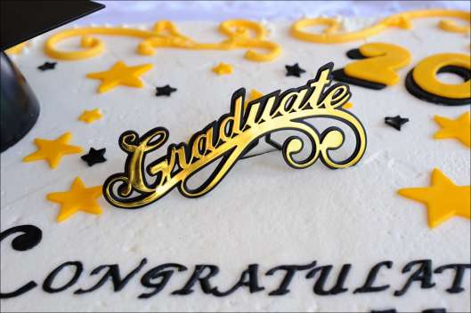 yellow-black-graduation-cake-8