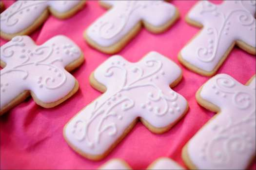 pink-cross-cookies-10