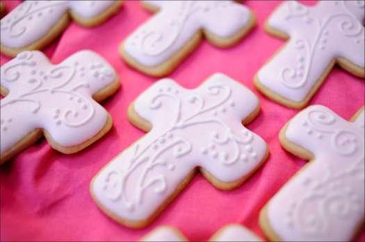 pink-cross-cookies-10