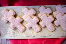 pink-cross-cookies-5