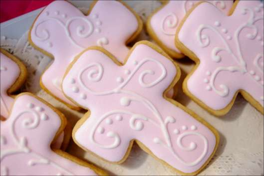 pink-cross-cookies-6