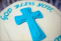 round-swirl-first-communion-cake-5