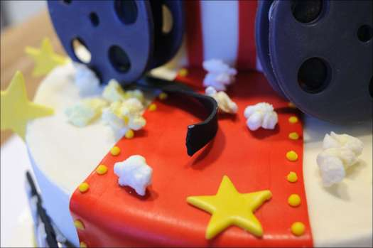 movie-themed-cake-13
