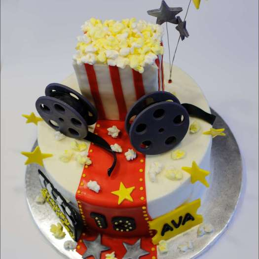 movie-themed-cake-2