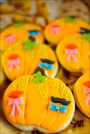 pumpkin-iced-cookies-17