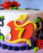 disney-descendants-cake-9