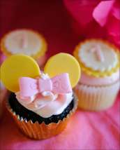 minnie-mouse-first-cupcakes-2