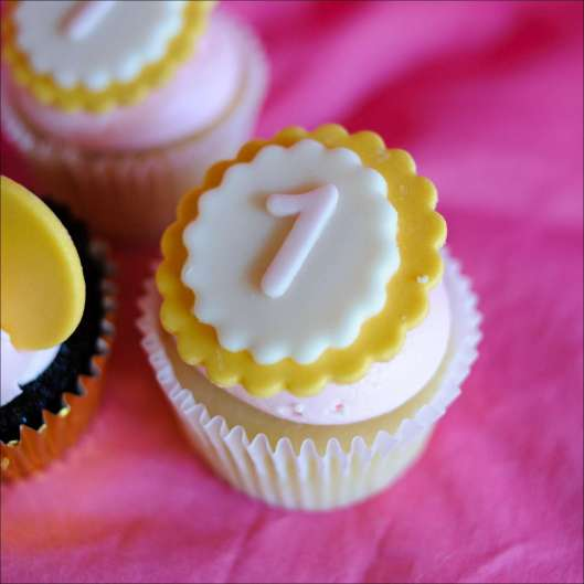 minnie-mouse-first-cupcakes-3