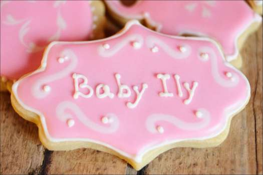 pink-baby-shower-cookies-1