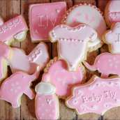 pink-baby-shower-cookies-4