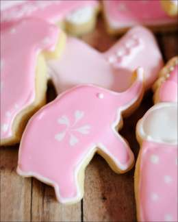 pink-baby-shower-cookies-6