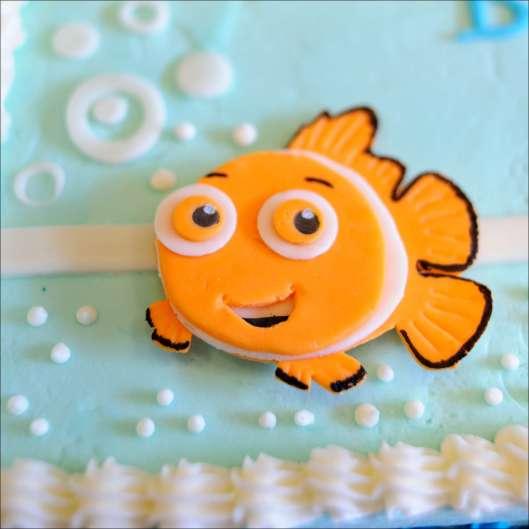disney-nemo-buzz-lightyear-baby-cake-3