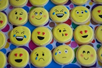emoji cookies_1