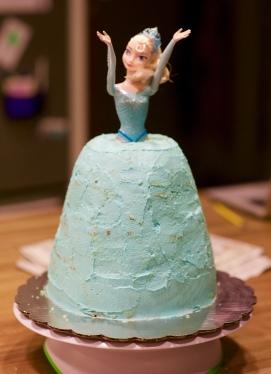 elsa doll cake_2