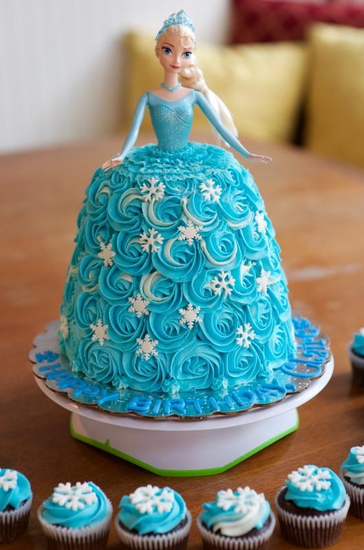 elsa doll cake_3