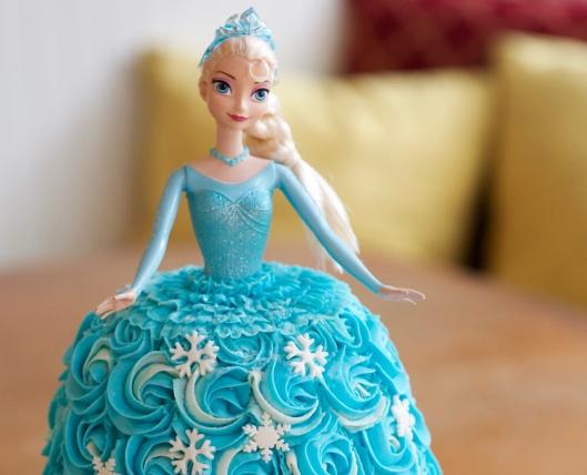elsa doll cake_6