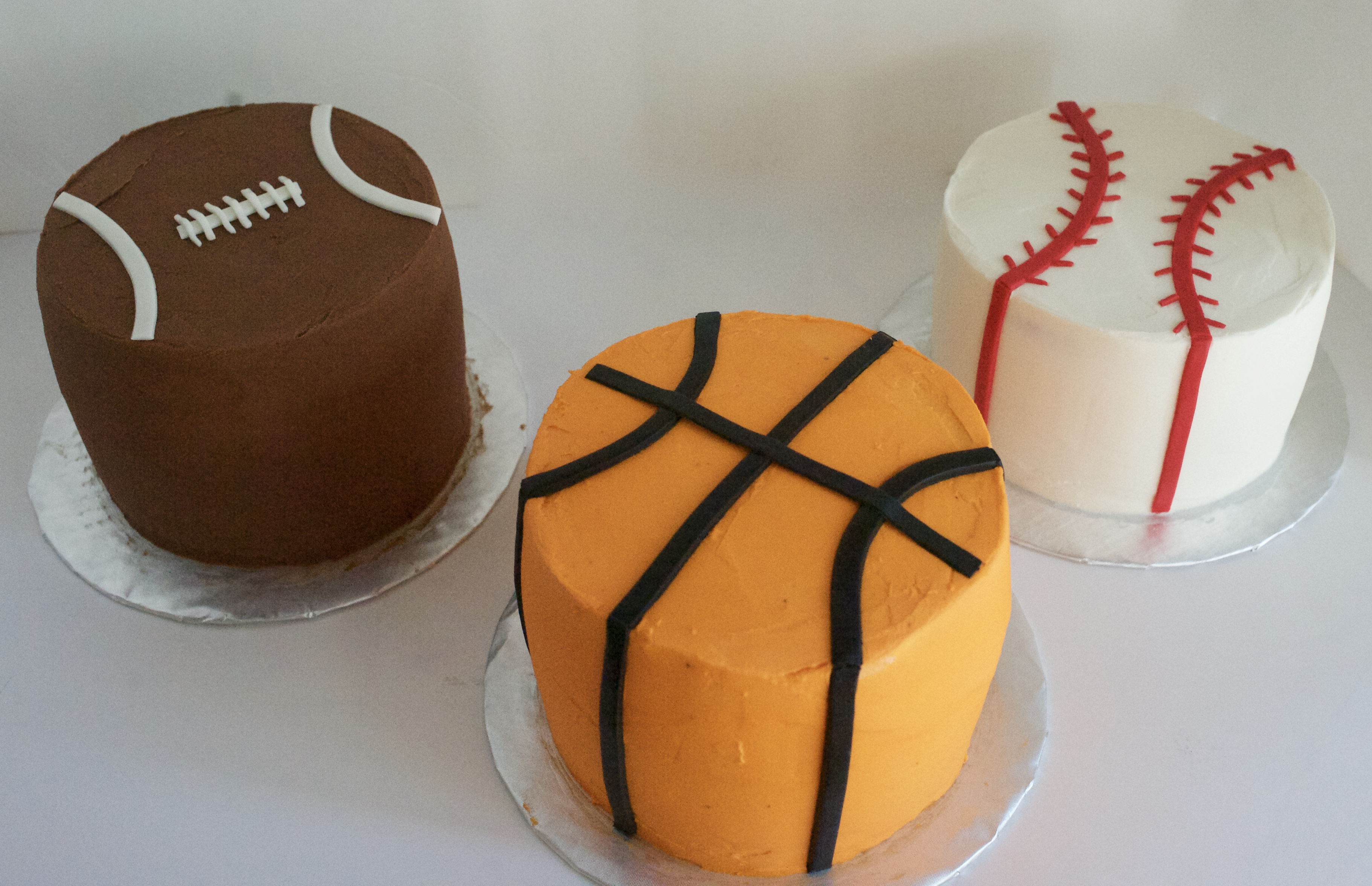 Sports Themed Cakes Cookies And Cupcakes Gray Barn Baking