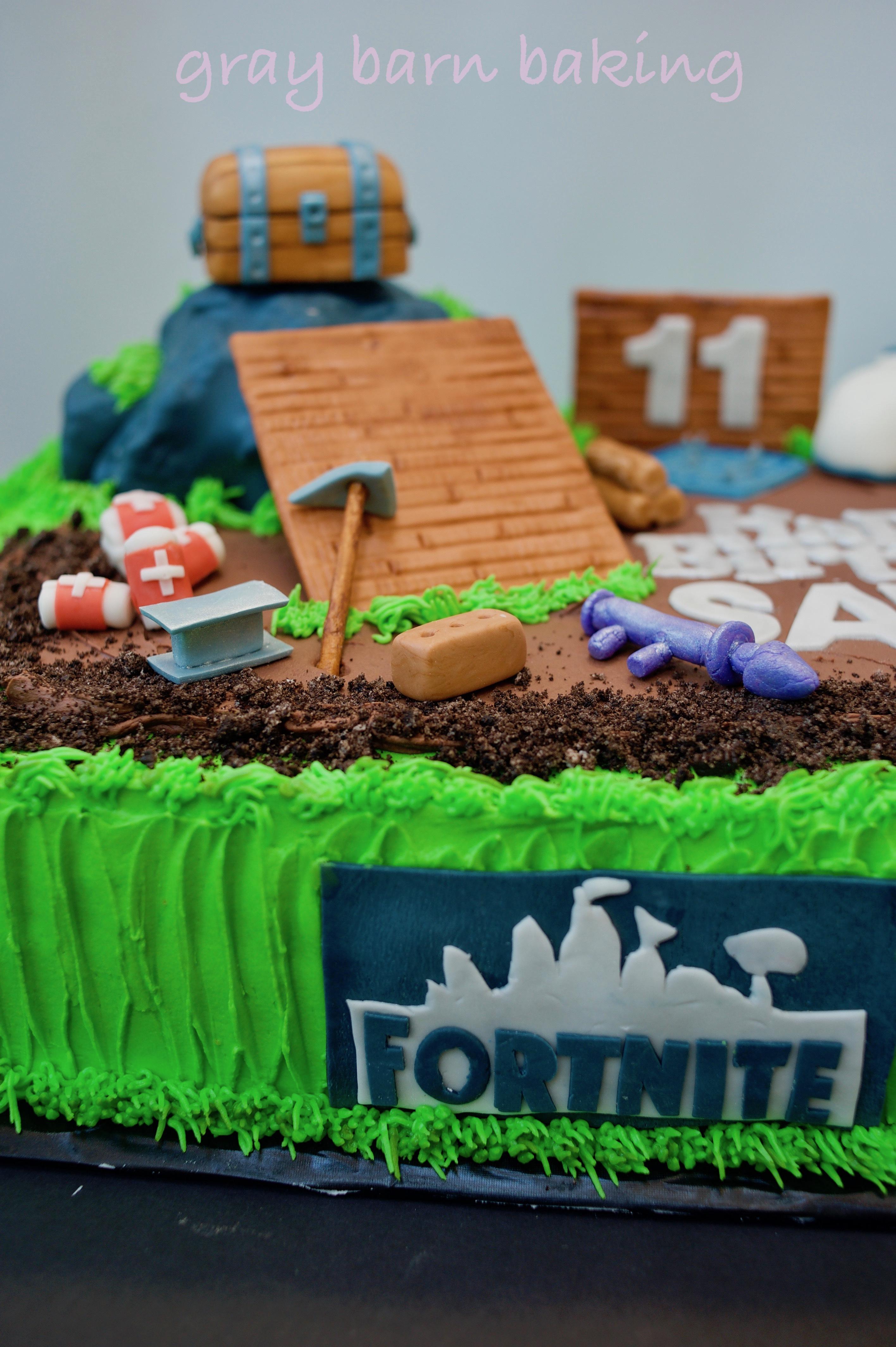 fortnite cake0015 | Gray Barn Baking