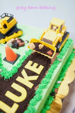 Construction 2 Cake0004